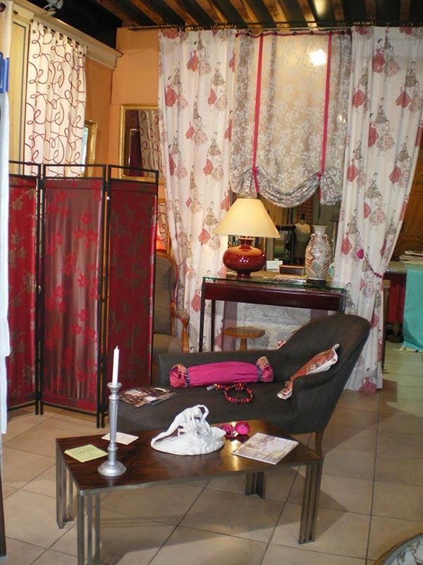 la vitrine de l 39 atelier b nisterie d coration tapisserie couture d ameublement. Black Bedroom Furniture Sets. Home Design Ideas